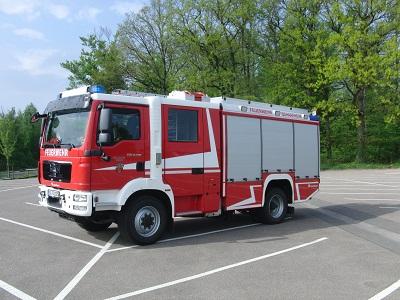 Das Löschgruppenfahrzeug wird hauptsächlich zur Brandbekämpfung, zur Förderung von Löschwasser sowie zur Durchführung von technischen Hilfeleistungen eingesetzt. Bei der Feuerwehr Schaafheim rückt das LF16-12 in der Regel als erstes Fahrzeug zur Einsatzstelle aus.